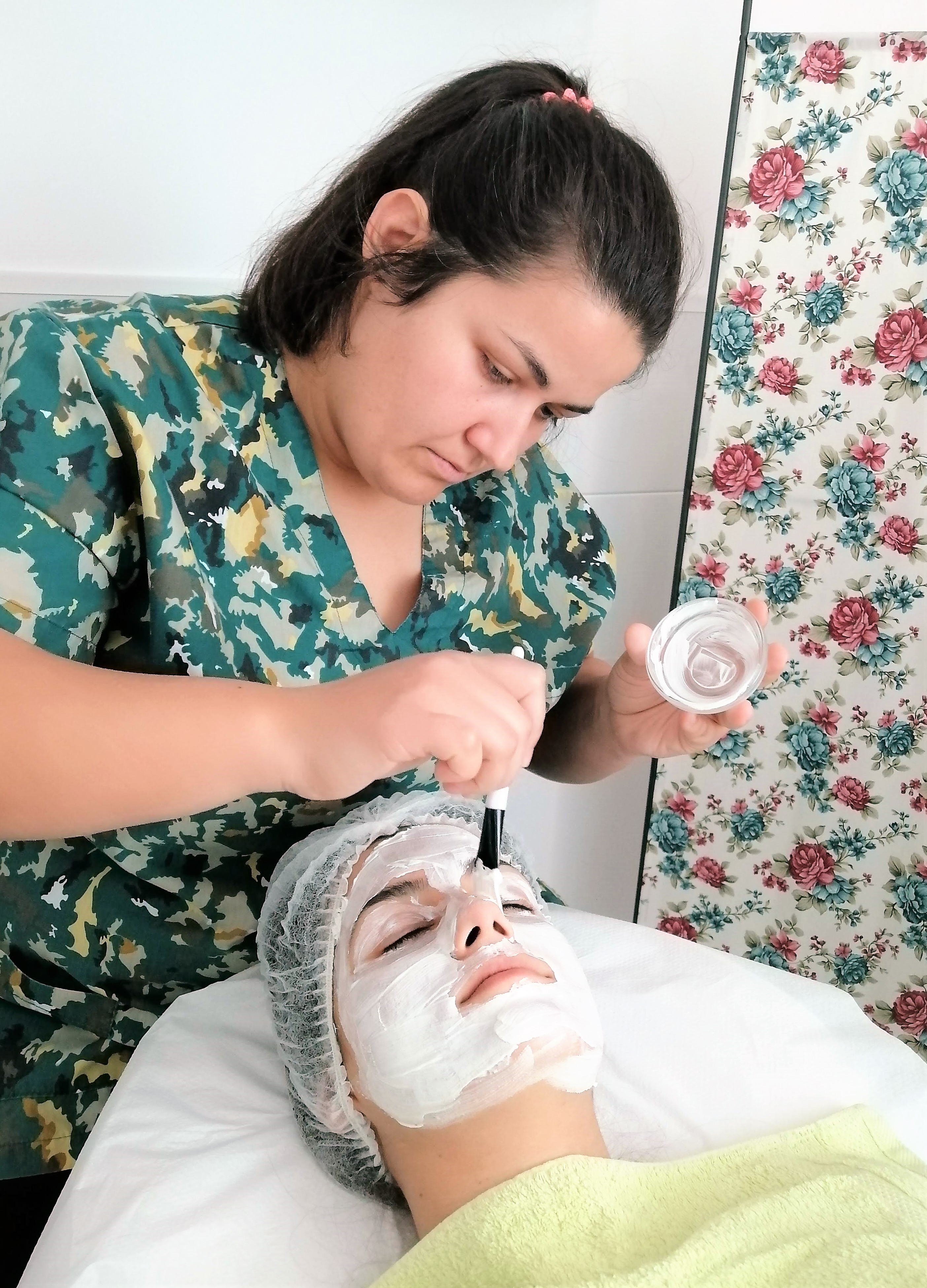 Практика в дистанционен курс по козметика